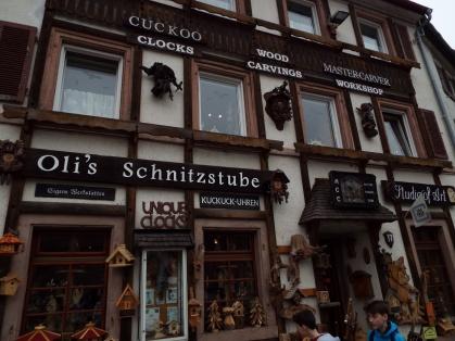 Oli's Schnitzstube, the artisan shop where I got my clock