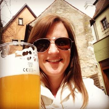 Hefeweisen in a beergarden